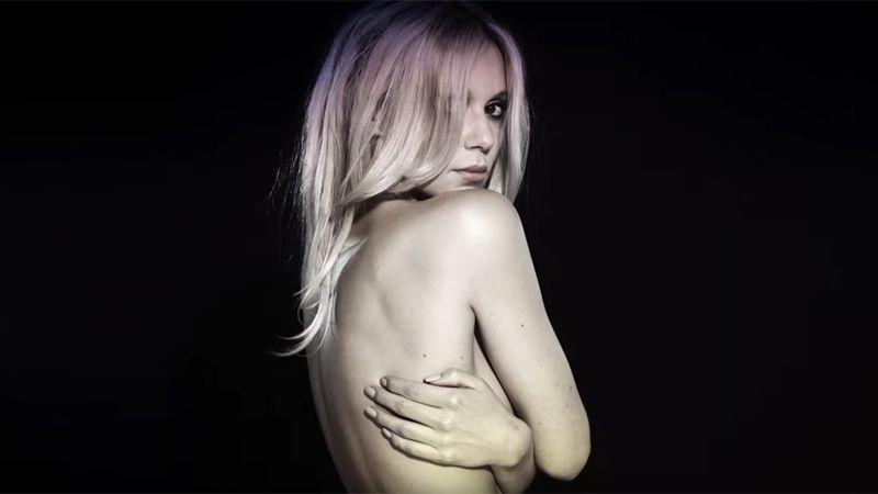 Представительницей Польши на музыкальном конкурсе в Киеве станет певица Катаржина Мось (Кася Мось). Девушка исполнит песню «Flashlight» («Вспышка»).