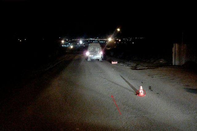 Красноярка скончалась на месте от полученных травм, а виновник аварии на тёмно-синей иномарке с правым рулём покинул место происшествия.