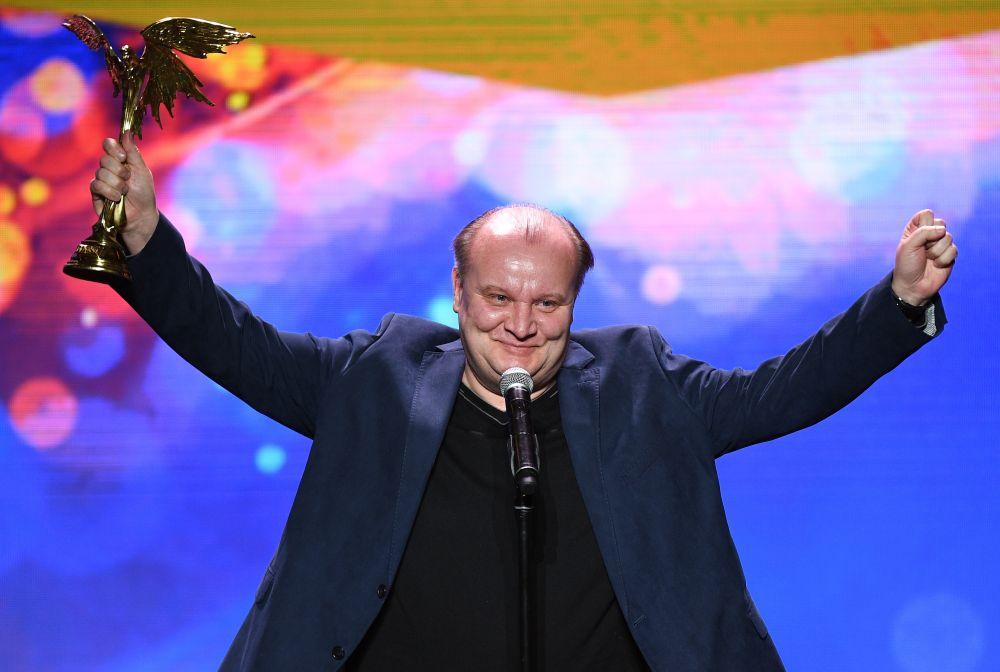 Лучшая мужская роль второго плана — Борис Каморзин («Монах и бес»).