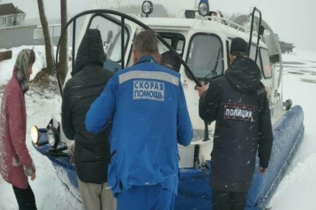 Судно навоздушной подушке доставило мужчину вЦРБ Конаковского района