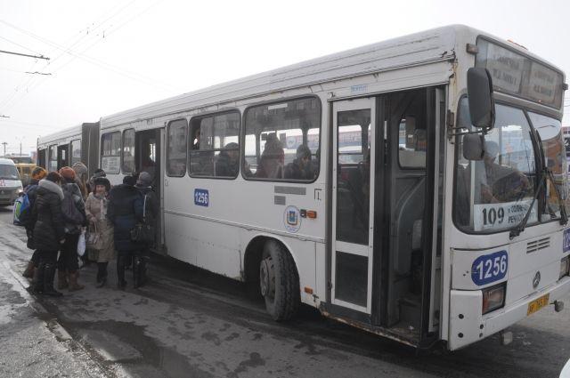 Общественный транспорт безопаснее частного.