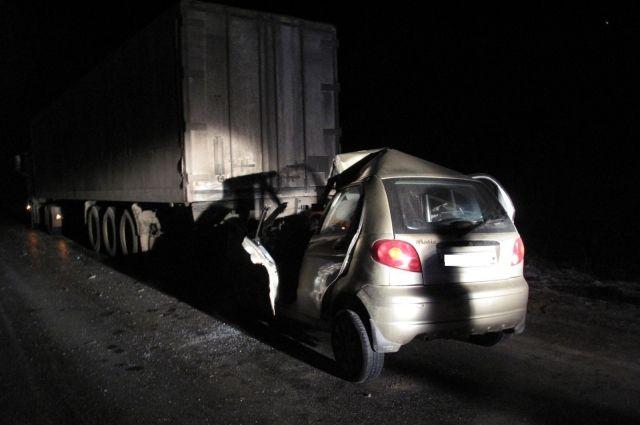 ВЯсногорском районе легковушка врезалась вфуру, двое погибших