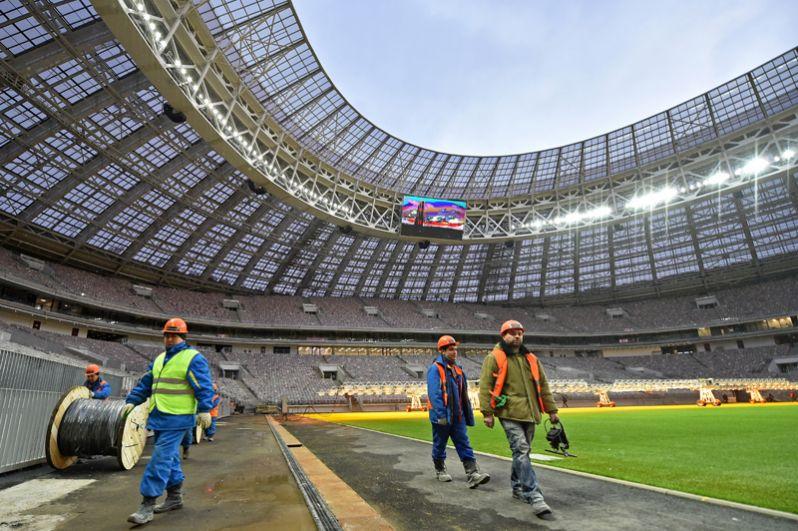 Главным преимуществом «Лужников» станет уникальное футбольное поле с натуральным травяным газоном, соответствующее всем современным требованиям и техническим рекомендациям ФИФА.