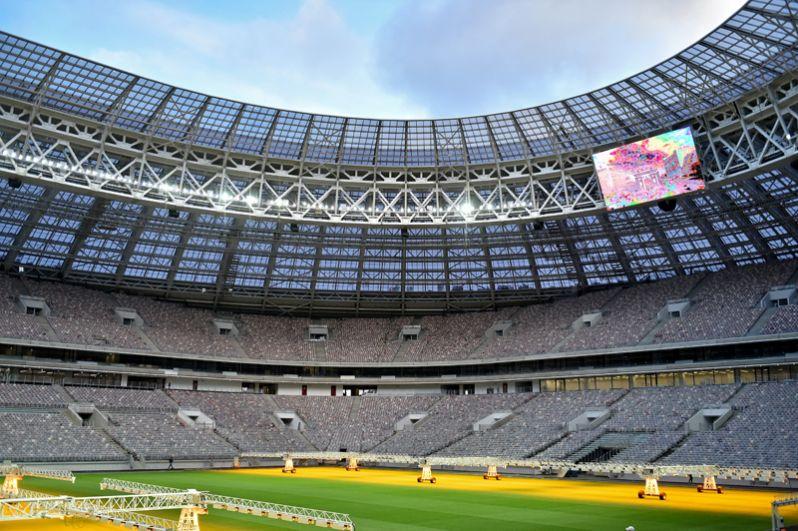 Зонирование трибун выполнено с учётом потребностей и особенностей всех категорий зрителей: на стадионе есть места для маломобильных зрителей, VIP-трибуна, зона гостевого обслуживания и зона для СМИ.