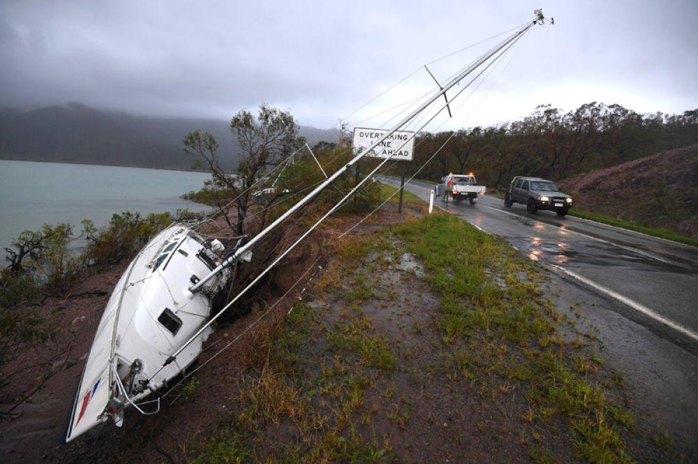 Сейчас в пострадавших районах проводится ликвидация последствий стихийного бедствия.