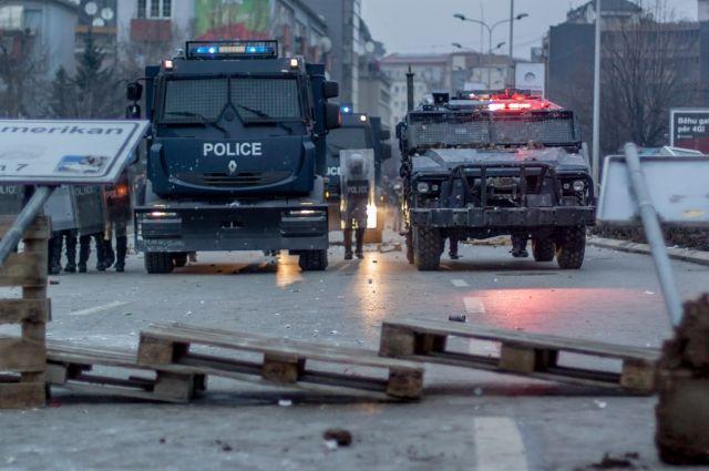 ВКосово задержаны неменее 60 автобусов ссербами