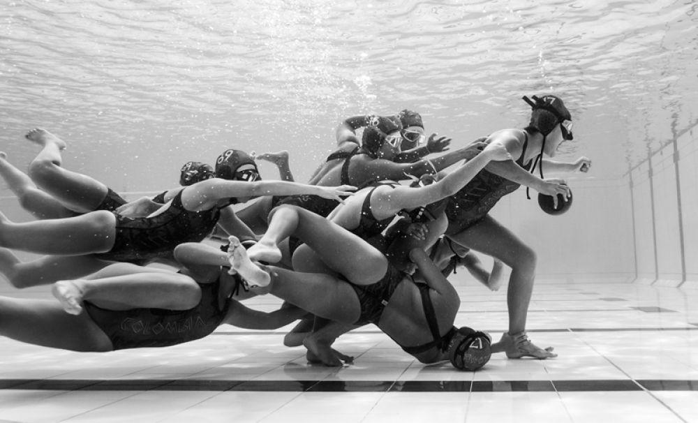 1 место в категории «Движение». Сборная Колумбии по подводному регби.