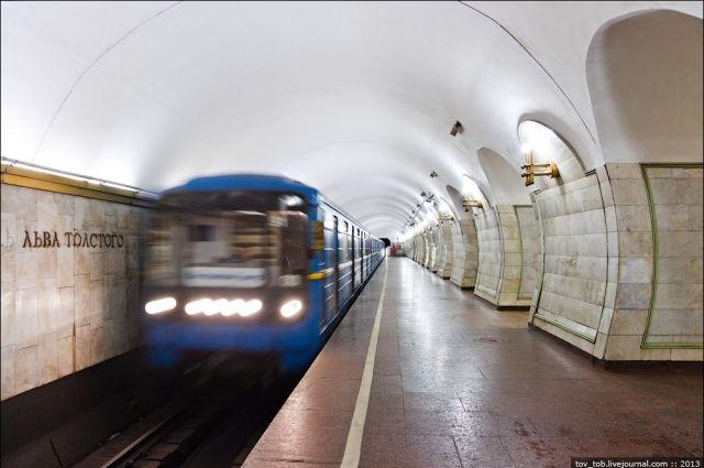 Станцию Крещатик закрыли из-за угрозы взрывов