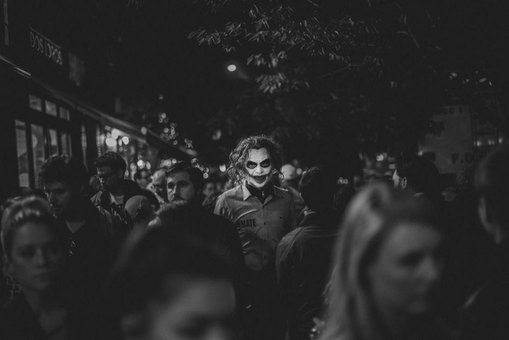 1 место в категории «Уличная фотография». Хэллоуин в Нью-Йорке, самый страшный праздник осени.