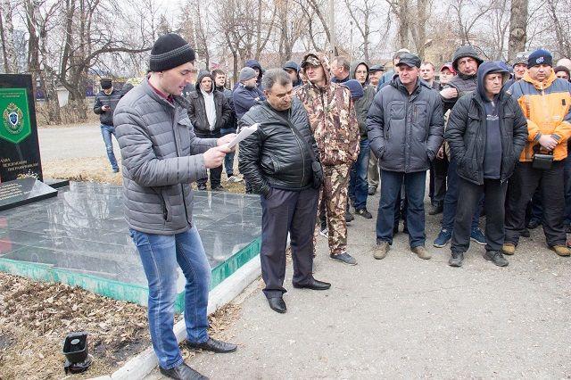 Перевозчики подписали петицию об изменении закона о такси.
