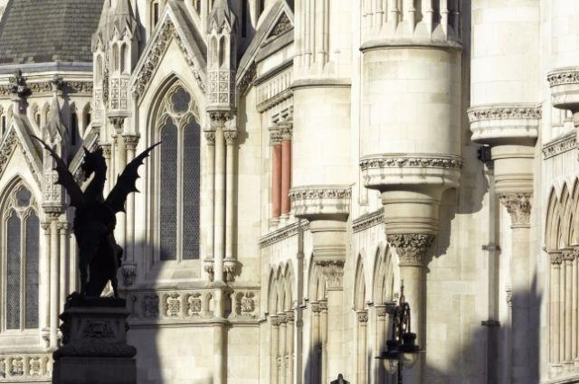 Суд Лондона обязал Украину выплатить долг РФ в размере трех млрд долларов