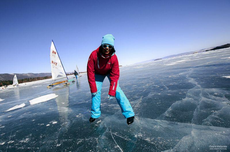 В соревнованиях приняли участие 89 яхтсменов из 12 стран.