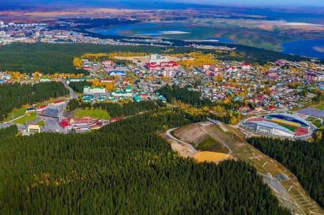 В 2016 году в городе проживало более 96 тысяч человек.