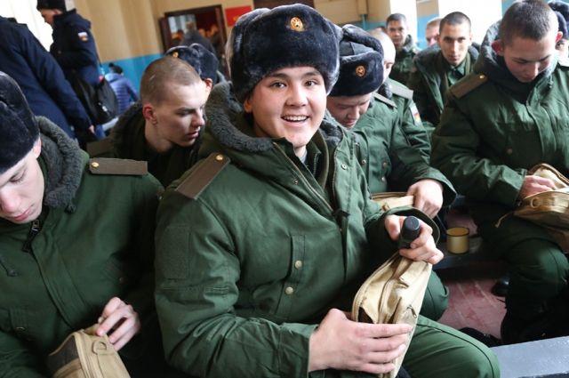 Путин сократил численность призывников