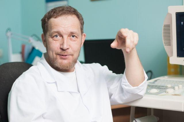 Доктор Кузнецов уверен: чтобы сложить пазл заболевания, нужно разговаривать с пациентом, искать, где потеряно его физическое здоровье.