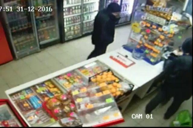 ВСтароселье продавщица отбивалась отразбойника «Дихлофосом»
