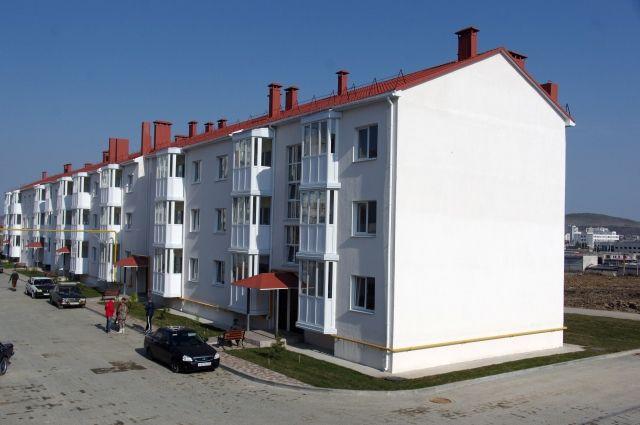 Новый дом в Крыму, построенный для переселенцев из зоны строительства Керченского моста