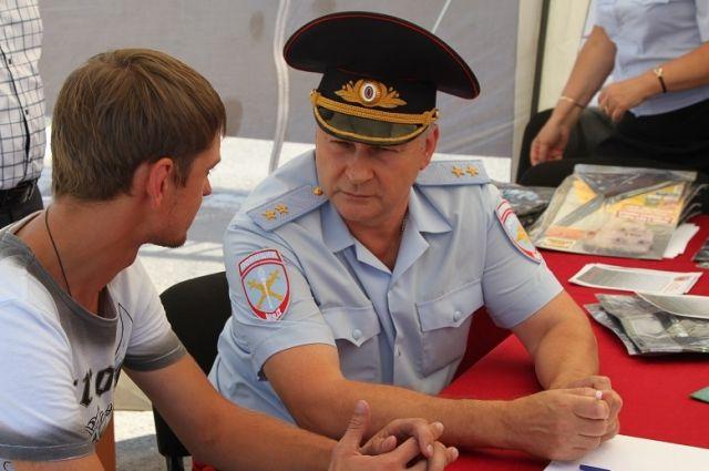 Андрей Ларионов: «Нареканий на действия наших инспекторов на трассе М4 «Дон» уже куда меньше. Шофёры, дальнобойщики даже благодарят».