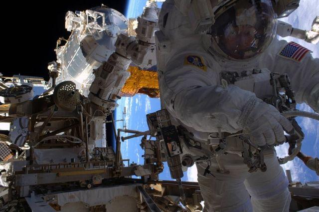 30 марта астронавты снова выйдут в открытый космос