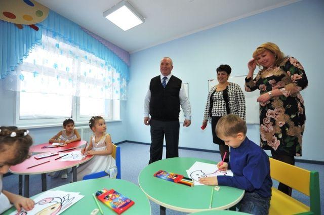 В дошкольных учреждениях ребята учатся новому и общаются.