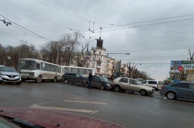 Трое омичей получили замнимые ДТП 1,2 млн. руб.