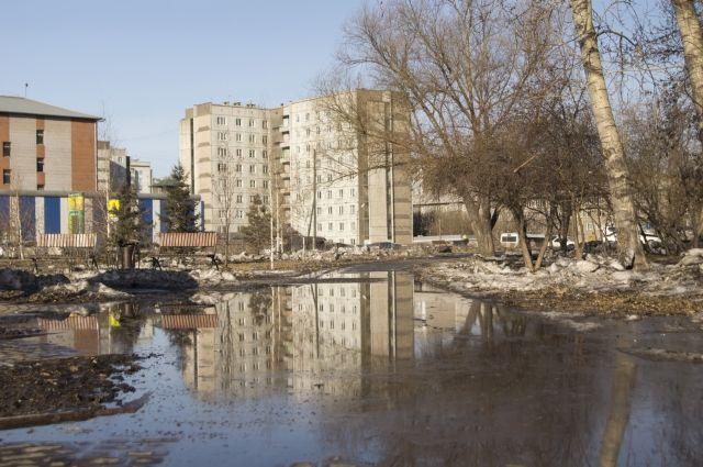 По Красноярску стало небезопасно передвигаться не только водителям, но пешеходам.