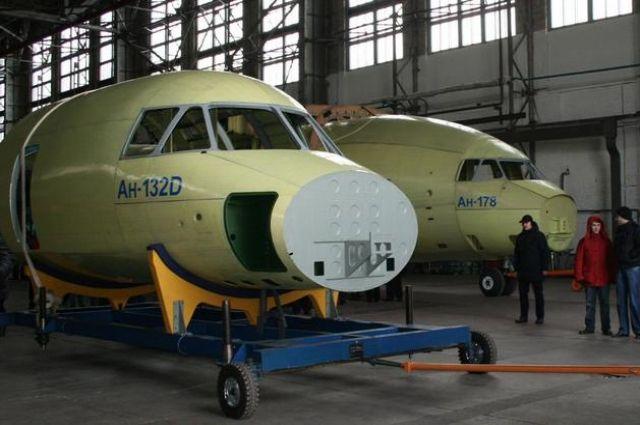 Совершил 1-ый полет прототип нового транспортного самолета Ан-132Д