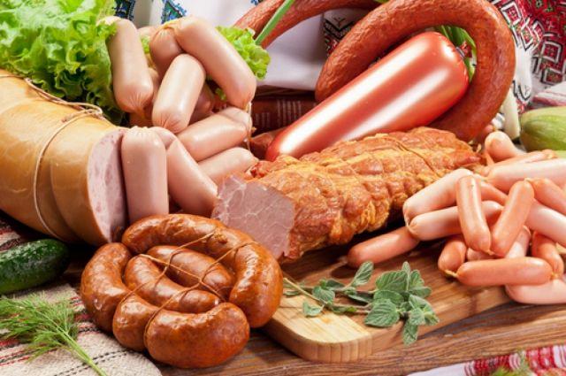 ВПетербурге сожгли неменее 150кг санкционных сыра, рыбы иколбасы