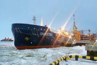 Танкер-газовоз прибыл в Сабетту.