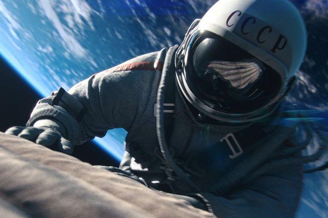 Третьяковская галерея приняла в презент картины космонавта Леонова