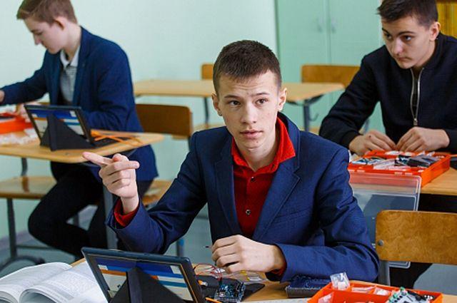Ямальские школьники познакомились с основами электроники и робототехники.