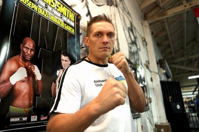 Украинский чемпион мира в боксе по версии WBO Александр Усик