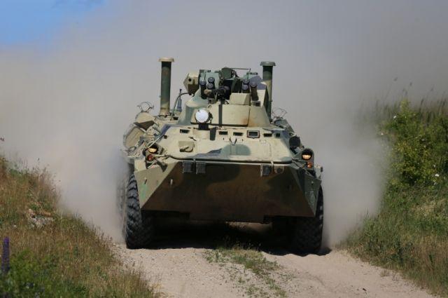 Очевидцы сообщают о военной технике на въездах в Калининград.