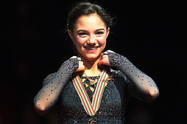 Фигуристка Медведева выиграла чемпионат мира смировым рекордом