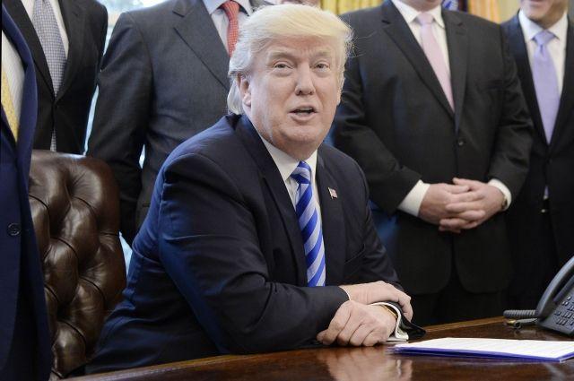 Трамп опять опозорился перед репортерами, позабыв о собственных прямых обязанностях