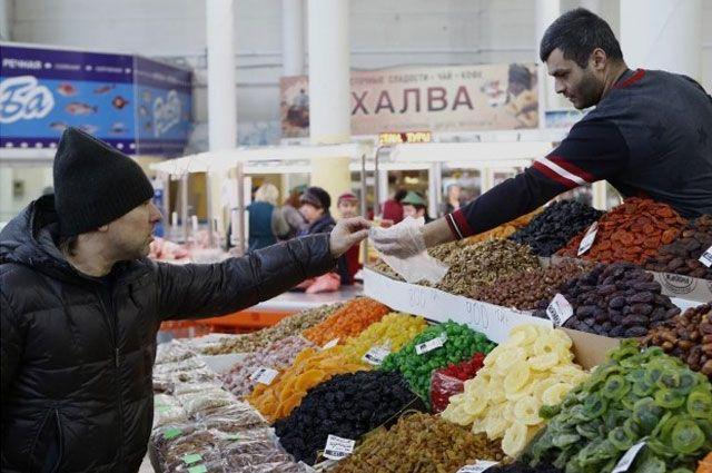 Юсуп Умавов потребовал привести впорядок все торговые точки ирынки Дагестана