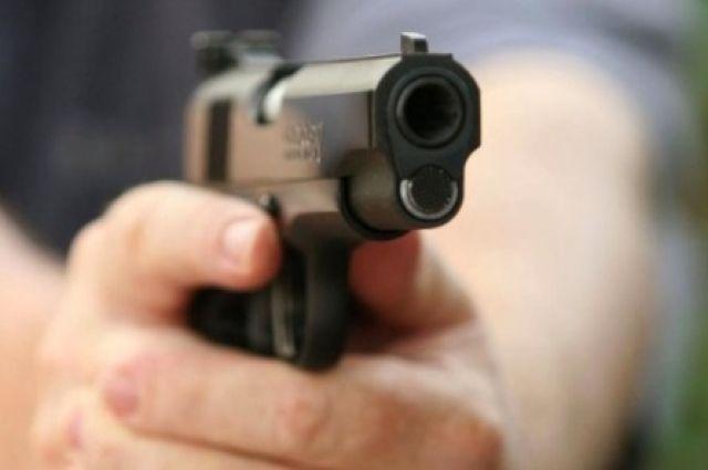 В результате стрельбы женщина скончалась на месте