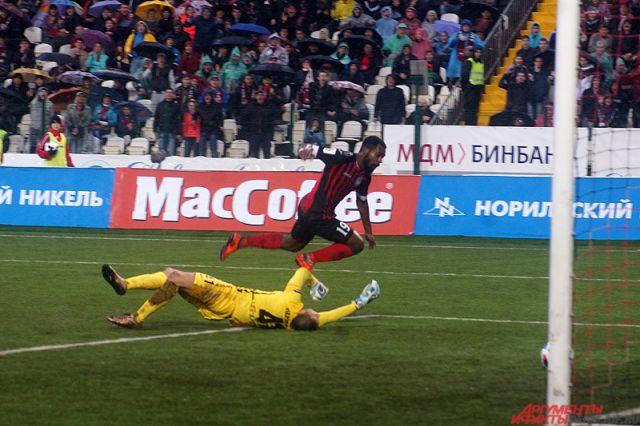 «Амкар» впервые в этом сезоне пропустил мяч в домашней игре.