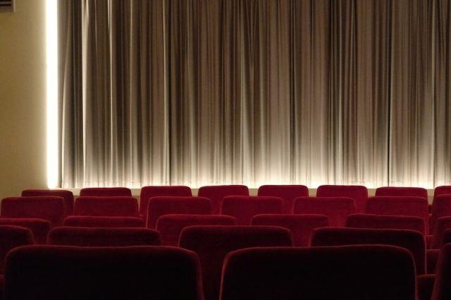 В кинотеатре «Рекорд» состоялся открытый показ фильма «Продавец игрушек» для зрителей с ограничениями зрения и слуха