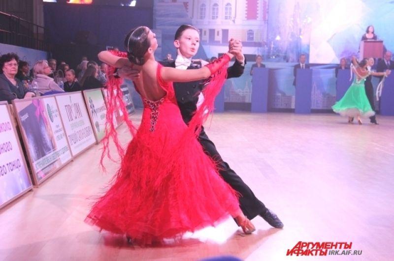 Вальс - один из самых ярких танцев фестиваля.