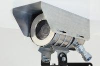 Камеры могут фиксировать номера автомобилей и устанавливать, куда машина движется.