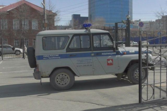 ВКрасноярске мужчина побил десятилетнюю падчерицу ивзял взаложники годовалую дочь