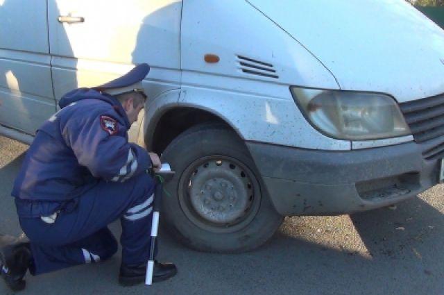 79 неисправных автобусов обнаружили на дорогах области во время рейда ГИБДД.