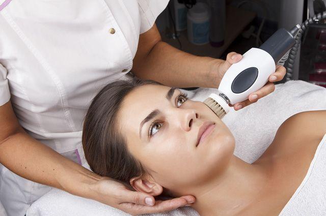 Как часто можно делать чистку лица: советы профессиональных косметологов