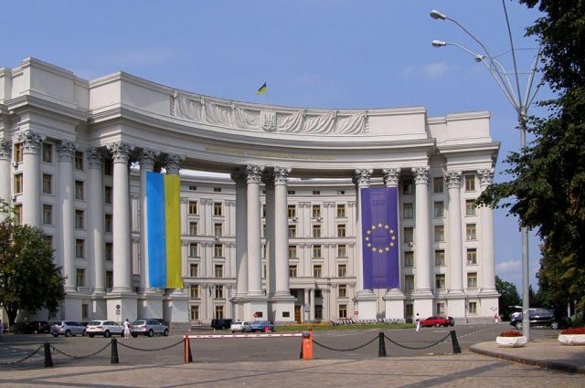 Взрыв вметро Санкт-Петербурга: МИД проверяет информацию оналичии украинцев среди пострадавших