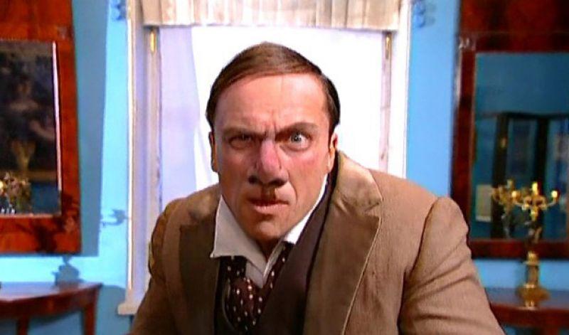 Нагиев сыграл сразу несколько ролей в юмористическом сериале «Осторожно, модерн!» (1995-1999), а также в его продолжении «Осторожно, Задов!» (2004-2005).