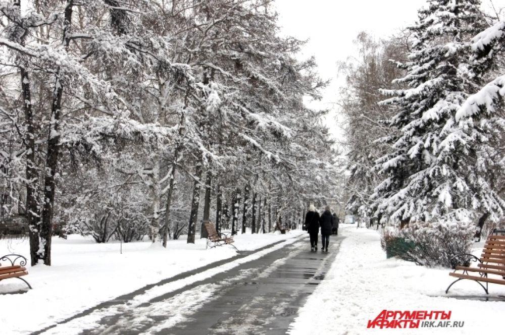 По свежему снегу приятно прогуляться.