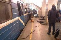 В метро Петербурга произошел взрыв в вагоне, который двигался по синей ветке метро