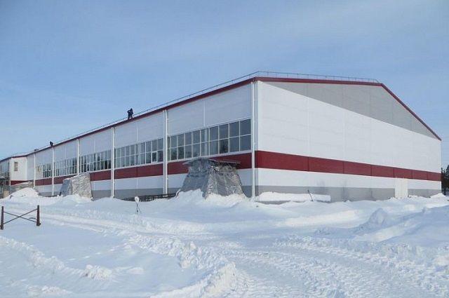 В Муравленко готовится к открытию новый хоккейный корт.