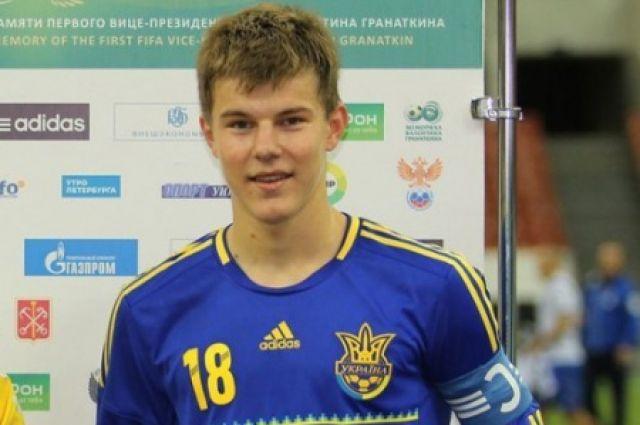 Защитник сборной Украины отреагировал насообщения обудущем переходе втурецкий клуб